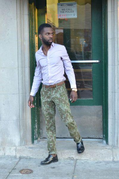 ライトピンクシャツ×迷彩パンツ×黒モンクストラップ   メンズファッションスナップ フリーク   着こなしNo:106513