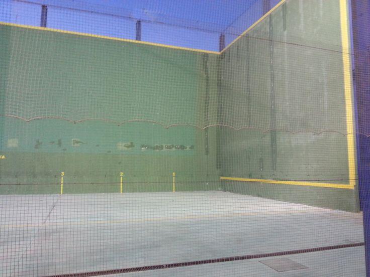 pelota vasca ( frontón) polideportivo carranque