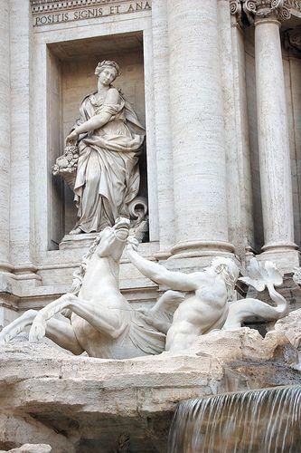 Rome, Trevi Fountain//