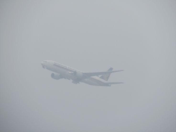 https://flic.kr/p/DuCRtS | 9V-SQN | Type: passenger jet airlines: singapore airlines manufacturer: boeing boeing 777 777-200 777-200ER 777-212ER 772 C      Y    Total 38   228  266 2x rr trent 884 MSN: 33373 line: 487 first flight: 03 aug 2004 production site: everett(PAE) test registration: N5023Q delivery date: 13 aug 2004 flight: SQ891 to singapore(SIN)