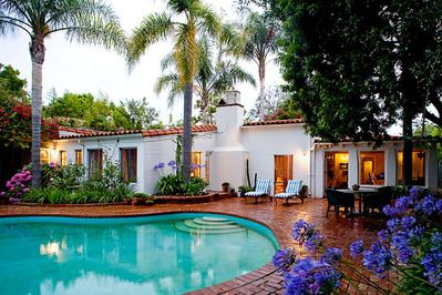 Marilyn Monroe's Brentwood home was put up for sale (asking price $3.6 million).  This is the back of the house showing the pool.