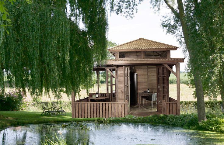 De teak tuinhuisjes van Villa Semesta zijn zowel vierkant als rechthoekig leverbaar.