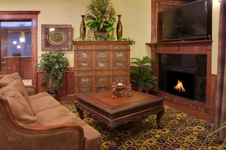 If you are looking for Hotels near UTMB Galveston TX then we are right choice to stay, Get the directions details of Galveston TX Hotels near HOU from our location page.  http://www.hiegalveston.com/direction-to-hotels-near-utmb-galveston-tx.html