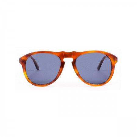 Walter Melon sunglasses with a honey tortoise frame. Standard blue-grey lenses.