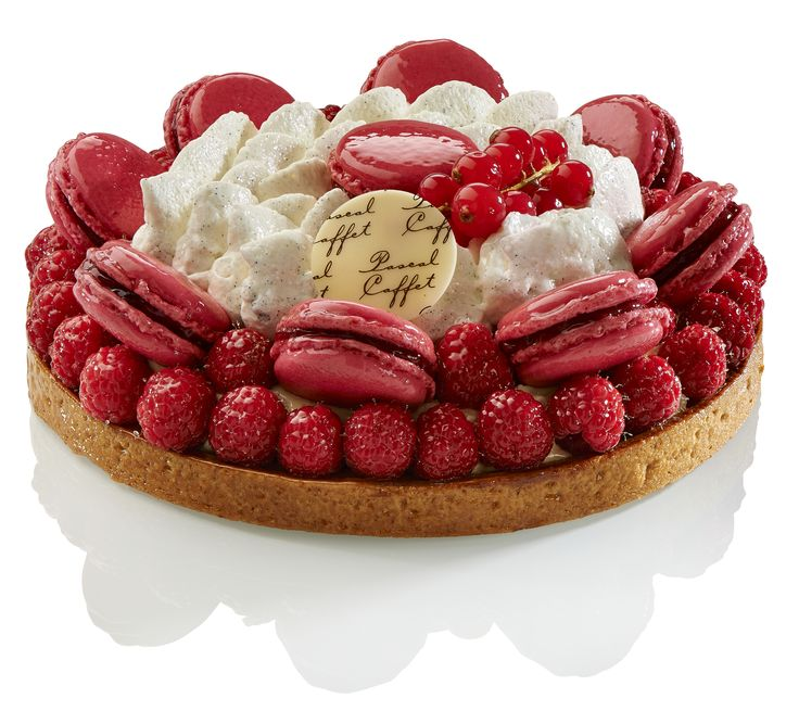 La Macatarte® vanille framboise, exclusive creation by Pascal Caffet. A must visit in Paris, rue Duban, 75016 Paris. #patisserie #macaron #framboise