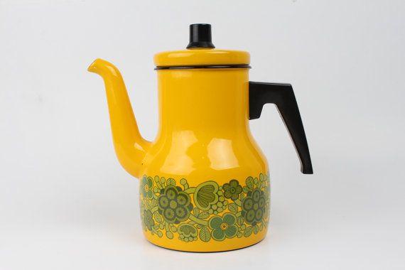 Kaj Franck Arabia Finel line enamel Yellow Coffepot by danishhome, kr675.00