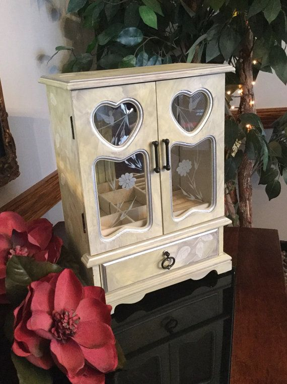 Jewelry Box // Vintage Wooden Painted by ByeByBirdieDesigns