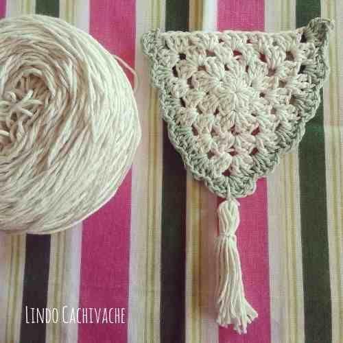 guirnalda con borlas tejida al crochet - lindo cachivache