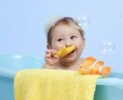When getting kids to take a bath is a battle, a few fun toys can make the experience a bit more enjoyable for everyone involved.
