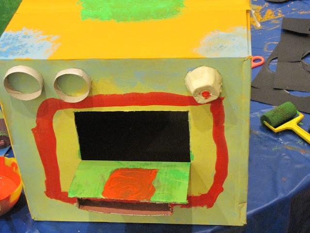 Taller Rec Construir cocinitas con cajas de cartón - 104527176807455957020 - Álbumes web de Picasa
