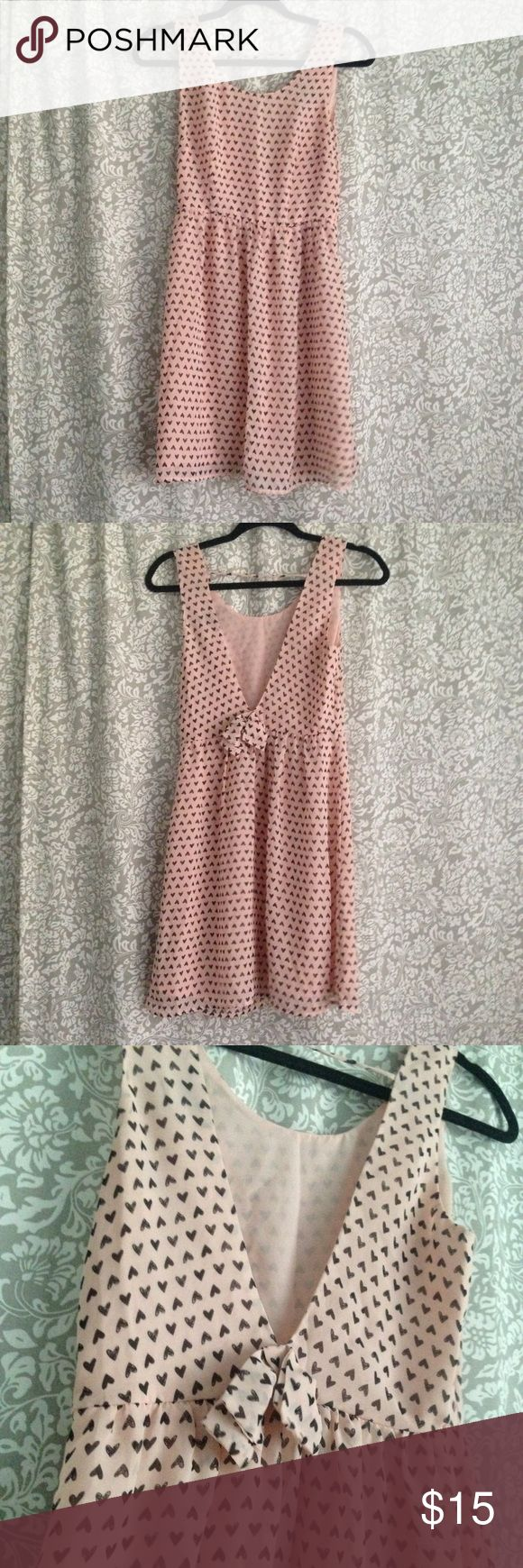 Like New | Heart Print Open Back Dress Light pink open back dress, size S. Heart print with bow accent on back. Worn only a few times, excellent condition. Forever 21 Dresses Midi