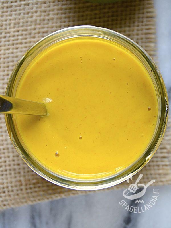Il Condimento Dressing limone zenzero curry arricchisce le vostre insalate di un sapore etnico davvero freschissimo su una base di yogurt delicata!