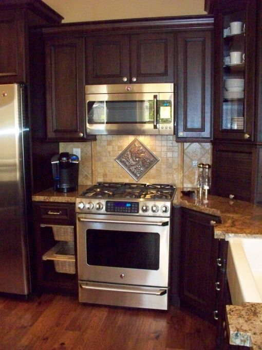 17 best images about kitchen ideas on pinterest stove for Tuscan style kitchen backsplash