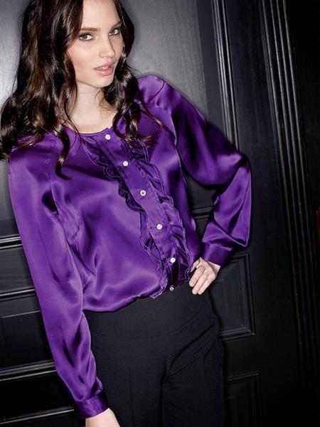 Фиолетовая блузка с рюшечкой
