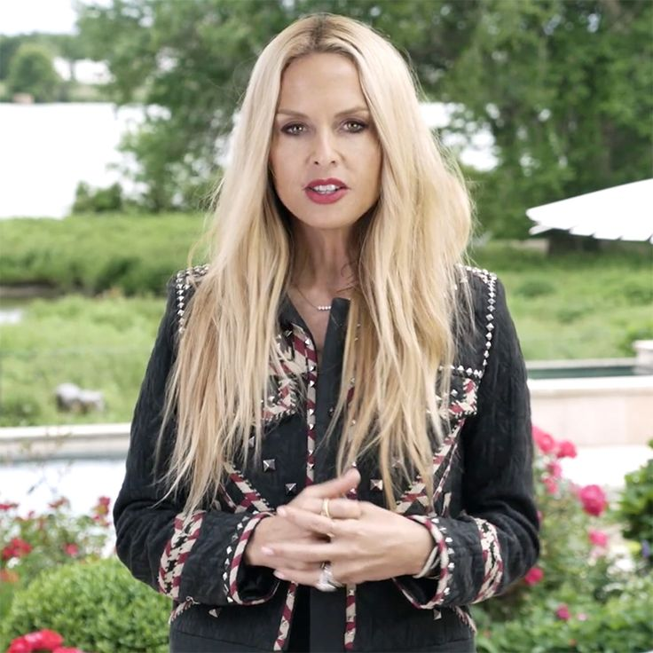Rachel Zoe On How To Tie A Sarong As A Dress