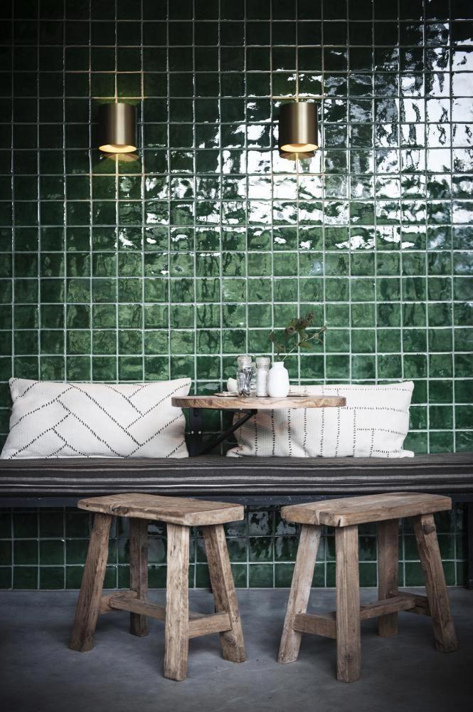 Badezimmer Sitzbank In Vitage Holz Optik Vor Wunderschonen Laubgrunen Fliesen Greeninterior Green Grun Alles Green Tile Bathroom House Tiles Green Bathroom
