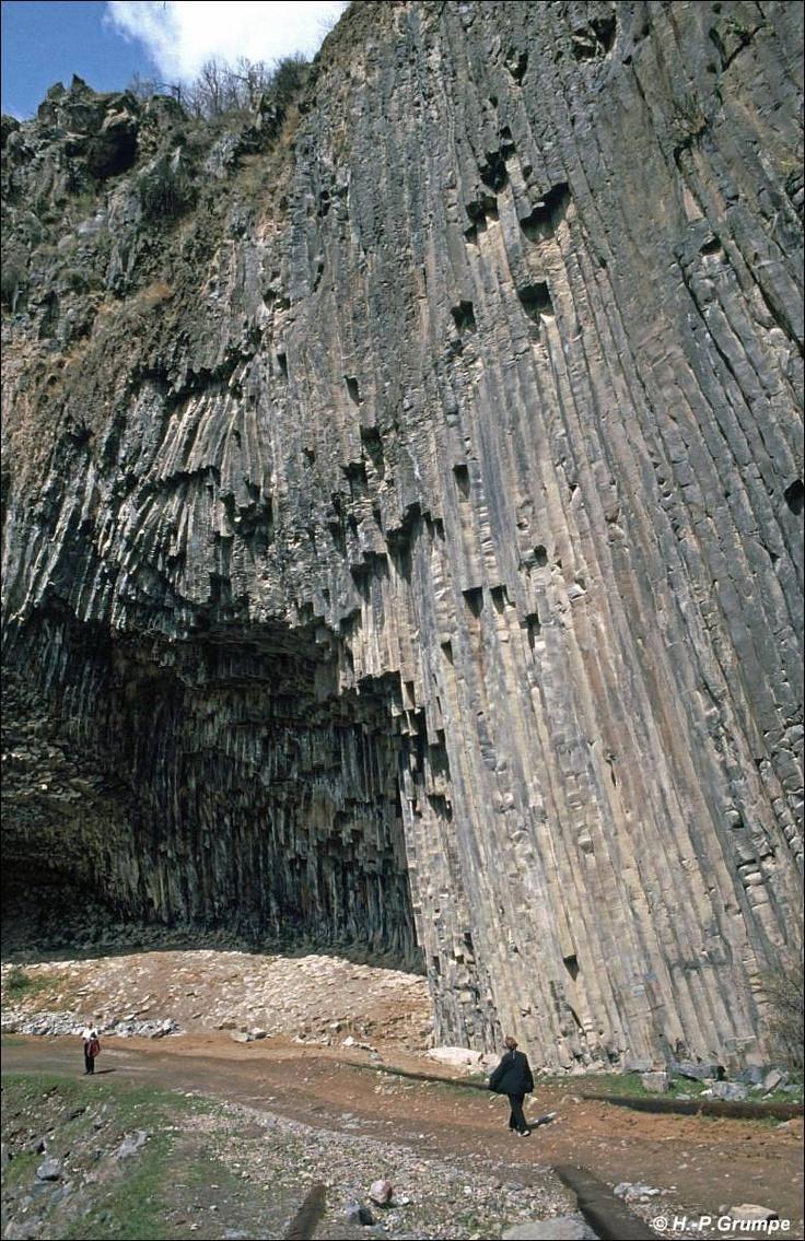 Garni: Basaltschlucht von Awan am Azat-Fluss