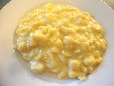 A Busy Mom's Slow Cooker Adventures: Creamy Velveeta Shells and Cheese