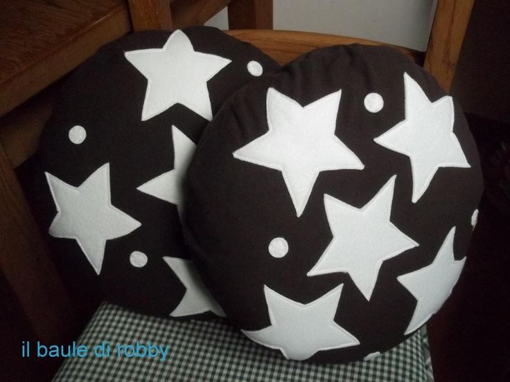 Cuscini a forma di pan di stelle