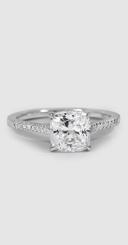 Classically elegant engagement ring