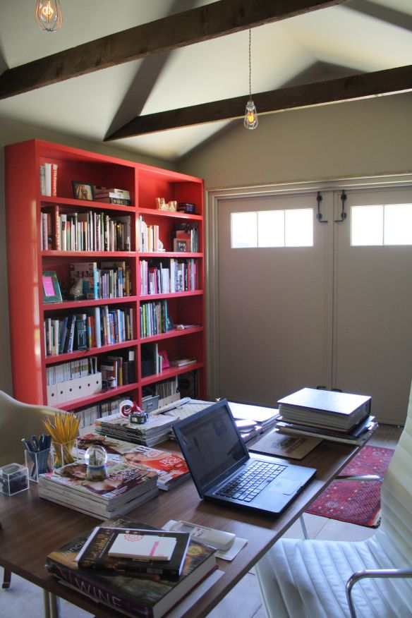 Foodinista freestanding garage conversion to office for Garage office ideas
