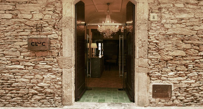A charming little hotel located in the historic city center of Begur,  at the heart of Empordà, one of the most wonderful places in Costa Brava, Spain.     Begur ♥ 12ROOMS - Bed& Breakfast   Costa brava (Spain) www.cluc.cat
