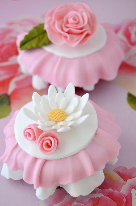 Ruffle Chocolate Cupcakes