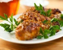 Cuisses de poulet glacées au miel et moutarde : http://www.cuisineaz.com/recettes/cuisses-de-poulet-glacees-au-miel-et-moutarde-79494.aspx