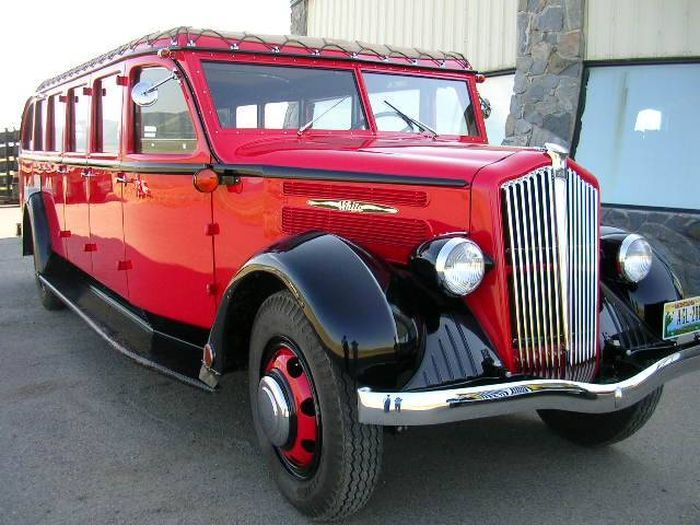 Hemmings Finds of the Day – 1936 and 1937 White Model 706 Yellowstone buses