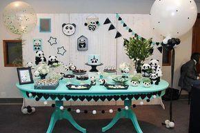 Pandas Via @kikidsparty - Curso decoração de festa infantil @kikabernardes_atelie decoração Panda linda #kikidsparty . #Repost @kikabernardes_atelie ・・・ Grupo 3 Panda Chá de bebê para uma jovem mãe, que ainda não sabe o sexo do bebê. Queria uma paleta de cores diferentes e monocromática. Elas super entenderam o briefing e a decoração ficou linda demais!!!! E a banca escolheu como a decor mais completa! Parabéns meninas! popmobilelocacao @afetiva.infantil @benditounico...