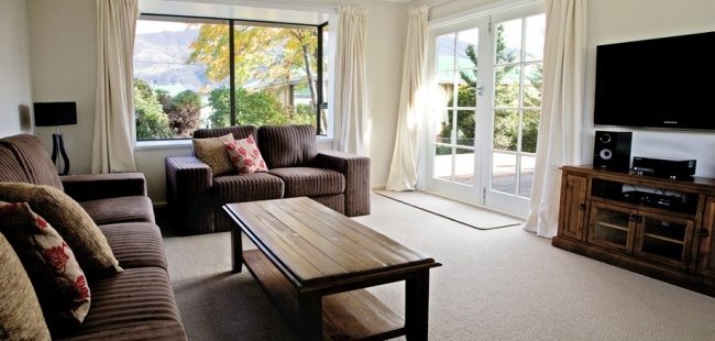 Tours & Packages - Ski / Snowboarding Accommodation in New Zealand: Private Holiday Homes