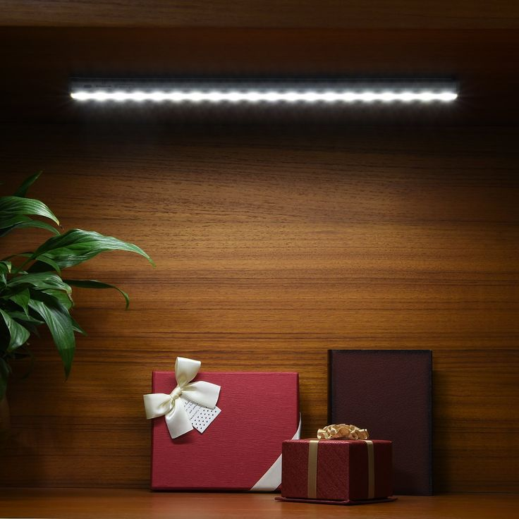 Closet Light Oak Leaf Rechargeable DIY Stick-on Anywhere Portable 20 LED Wireless Motion Sensing Under Cabinet Lighting For Closet Attics Hallway Washroom: Home Improvement