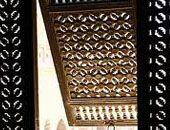Mashrabiye per il raffrescamento passivo. Un sistema di climatizzazione passiva semplice e tradizionale, con elementi di legno per raffrescare ed umidificare.