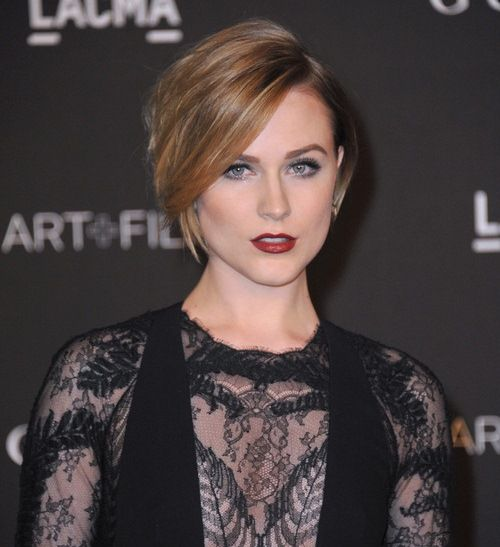 20 Short Straight Hairstyles and Haircuts - http://askhairstyles.com/20-short-straight-hairstyles-and-haircuts/ #Girl #Women #Hairstyles #Haircuts #AskHairstyles #ShortHairstyles #ShortHaircuts #LongHairstyles #LongHaircuts #HairColor #PopularHairstyles