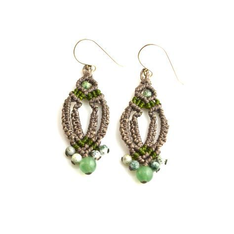 Macramé earrings by Coco Paniora Salinas of Rumi Sumaq rumisumaq.com #macrame #jewelry