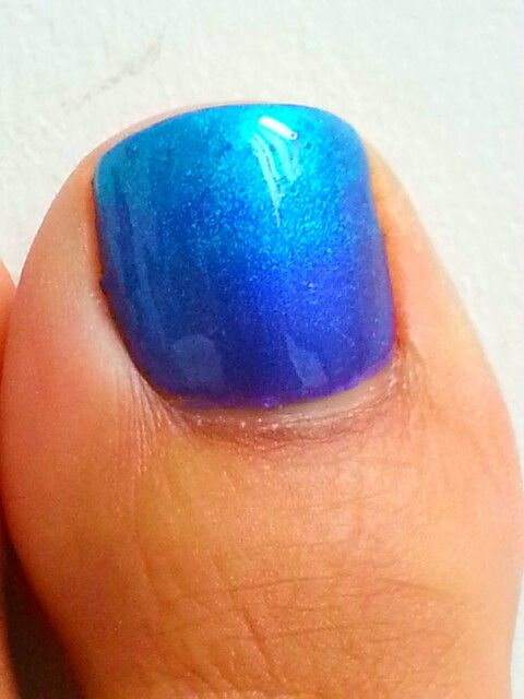 Ombre Shellac toes with Hotski to Tchotchke over Purple Purple at The Cocoon Rooms. ;-)