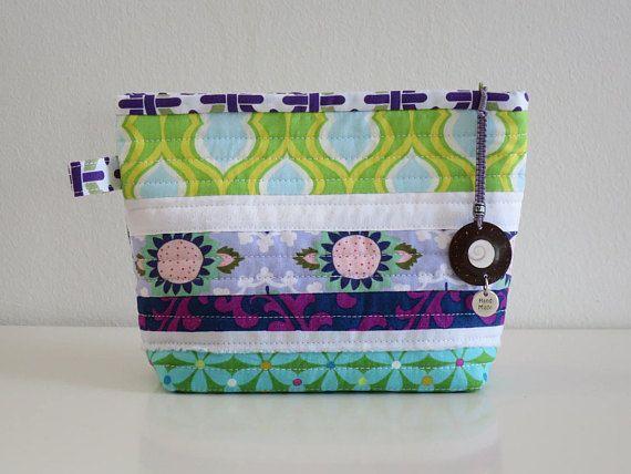 Zipper Pouch  Makeup bag  Handbag pouch  Handmade fabric