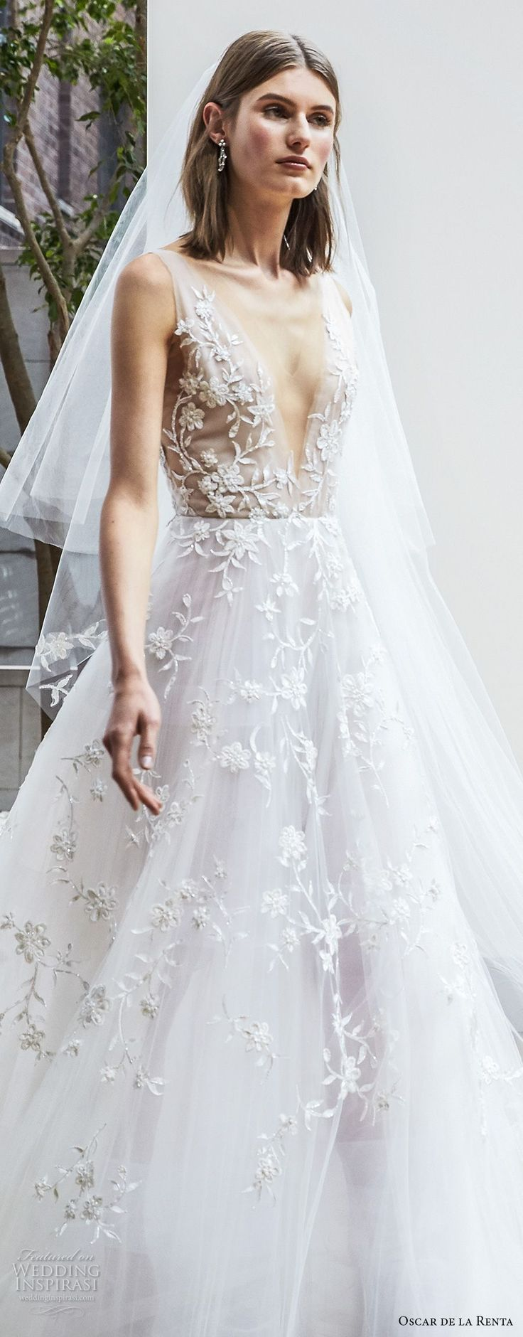 oscar de la renta spring 2018 bridal sleeveless deep v neck full embellishment beautiful romantic a line wedding dress open v back chapel train (14a) zv -- Oscar de la Renta Spring 2018 Wedding Dresses