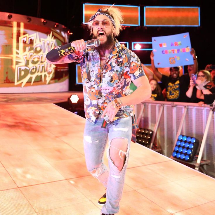 Enzo Amore kicks off Raw in Phoenix to a raucous ovation from the WWE Universe.