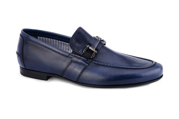 Back to school wearing this bluette #mocassins with metal clasp