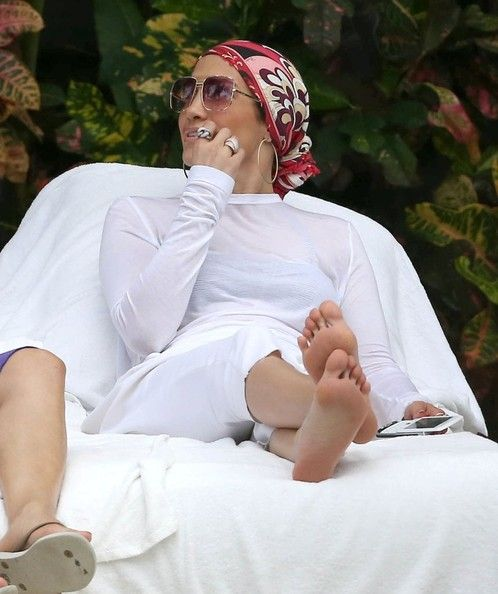Jennifer Lopez Photo - Jennifer Lopez & Kids Enjoy A Day Together In Miami