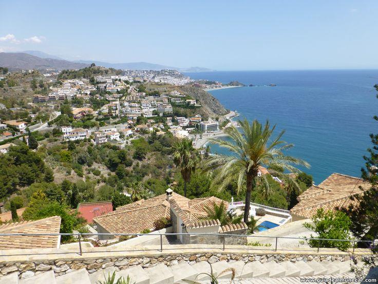 Vista Panorámica de Almuñécar, Costa Tropical de Granada, Andalucía, España.  Peñones de San Cristóbal, Castillo de San Miguel y Playa Cotobro. Imagen: 1024x768 pixeles. www.guiadealmunecar.com