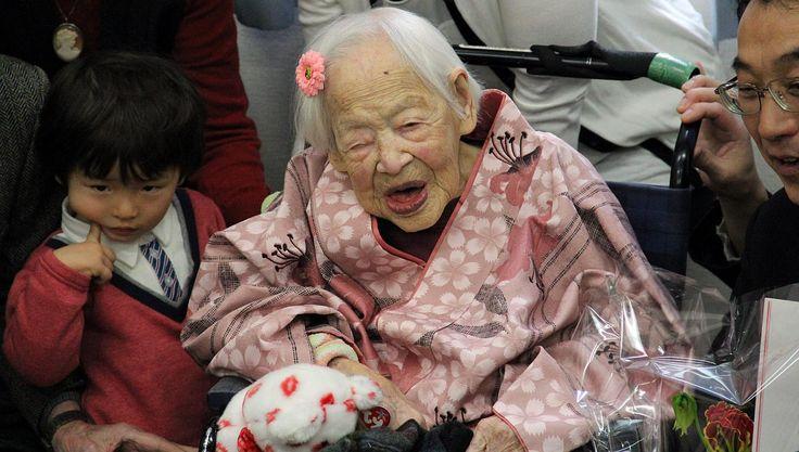Murió a los 117 años la persona más vieja del mundo  Se trata de la japonesa Misao Okawa, que cumplió años hace menos de un mes.  Publicada: 1/04/2015