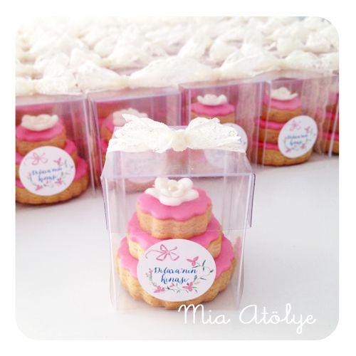 Stacked Wedding Cake Cookies