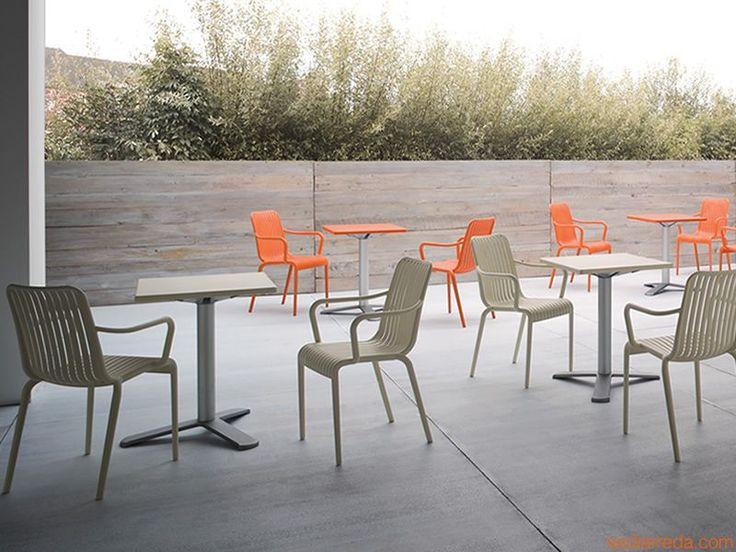 Open para Bare y Restaurantes - Silla apilable con apoyabrazos bara bares y restaurantes, de tecnopolímero, idónea también para jardín, en varios colores - Sediarreda