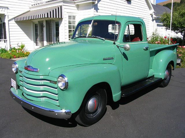 1951 Chevrolet Pickup..soo close to my first truck. 54 chevy painted a nasty brown that seemed to work for that truck only. <3