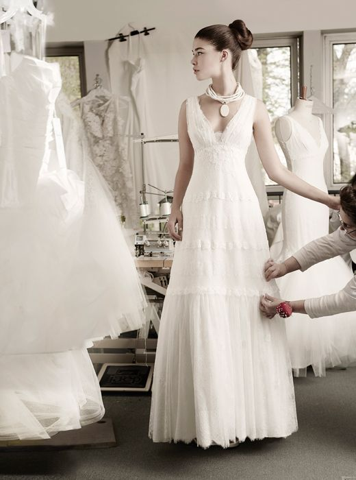 Anae by Cymbeline Robe en dentelle fluide pris sous poitrine. #cymbeline #metz #mariage #marionsnous #robedemariee #onvasedireoui