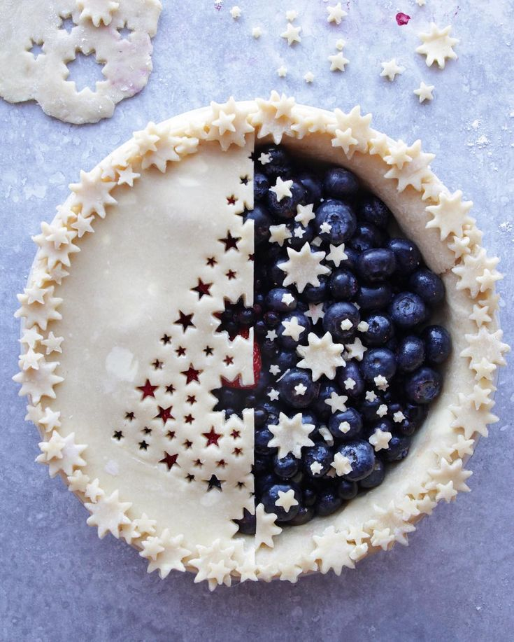 Mirror tree blueberry pie