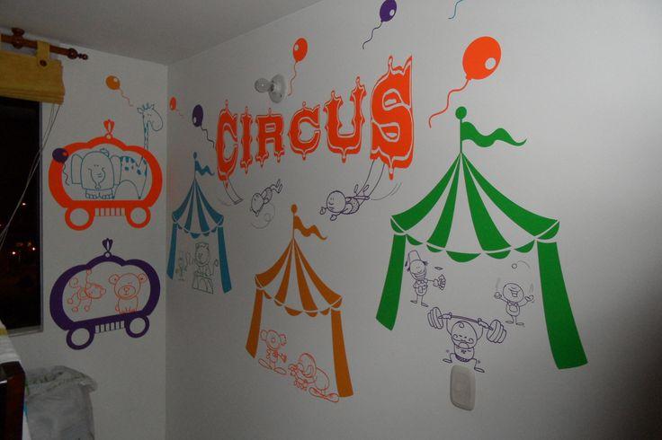 Diseño colorido... que la alegría y la energía del Circo llegue a la habitación de tu hijos. En Bogotá tel. 3176746222 - 6087286 contactanos@gfdecoraciones.com