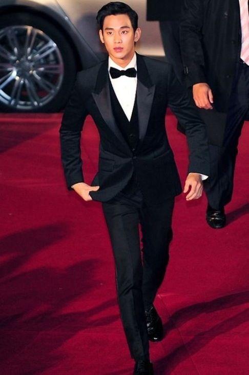 Love this sleek look for my groom